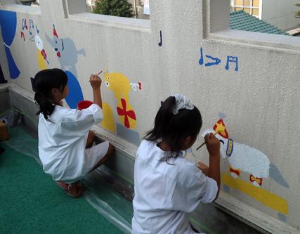壁画を描こう!「3びきのかめ・1まんねんのぼうけん!」⑦_f0247351_8484522.jpg