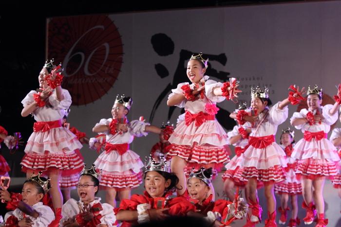 第60回よさこい祭り 後夜祭 サニーグループよさこい踊り子隊SUNNYS その1_a0077663_17554479.jpg