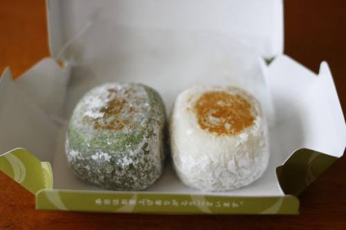 日本からお土産で頂いた美味しいお菓子いろいろ♪_d0129786_1534432.jpg