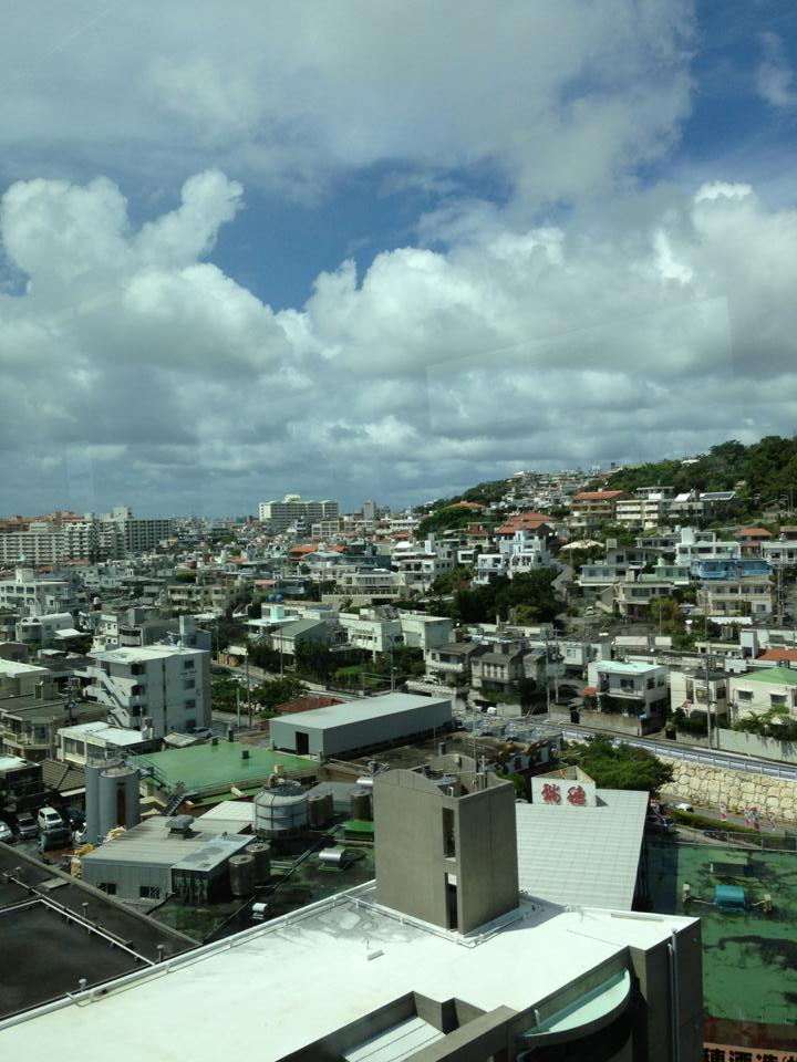 琉球は鮮やかに世界を開く_e0154707_12323525.jpg