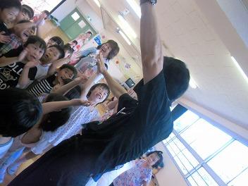保育園でコマまわし☆第4弾_a0272042_20114013.jpg