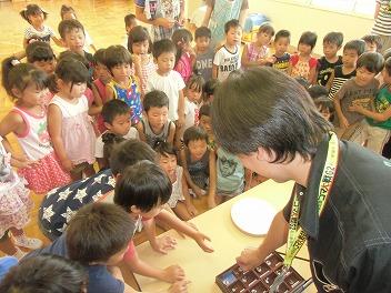 保育園でコマまわし☆第4弾_a0272042_2012294.jpg