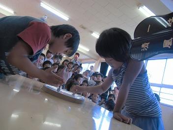 保育園でコマまわし☆第4弾_a0272042_2075177.jpg