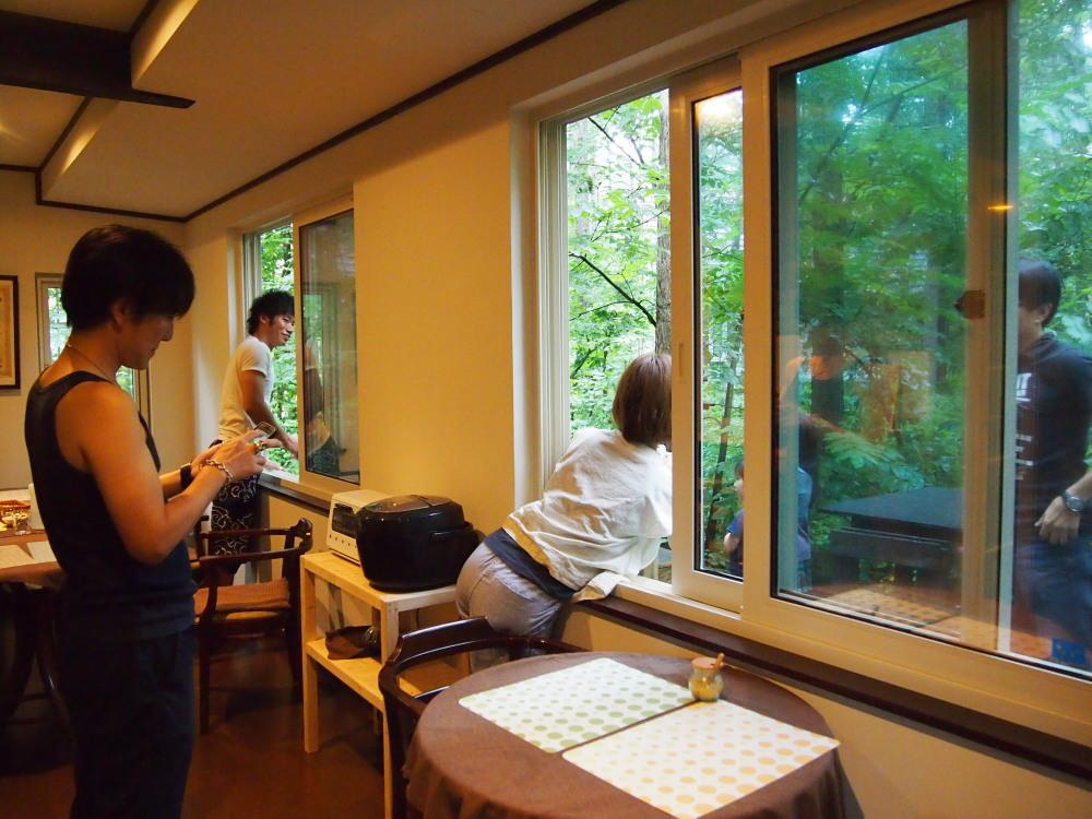 """夏休み・・""""エゾリス君""""のいるカンタベリーの朝食風景_f0276498_22463447.jpg"""
