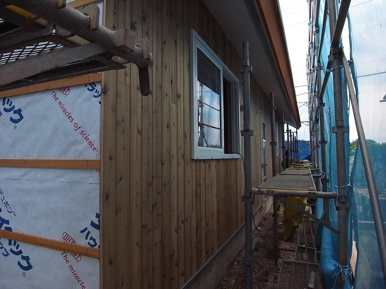 鯉淵の家 板張り外壁工事 2013/8/21_a0039934_1640444.jpg
