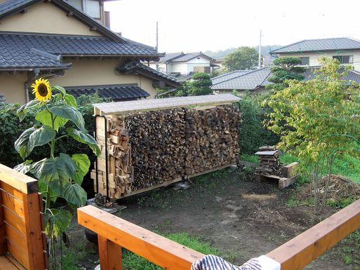 Fさんの家 薪置き場の写真を見せてもらう_a0039934_1805988.jpg
