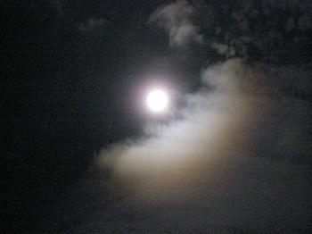 満月_d0233891_11227100.jpg
