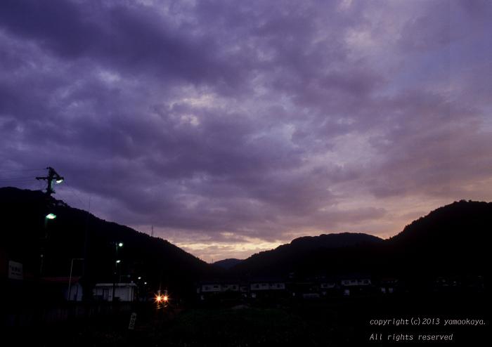 朝の曇空_d0309612_23573916.jpg