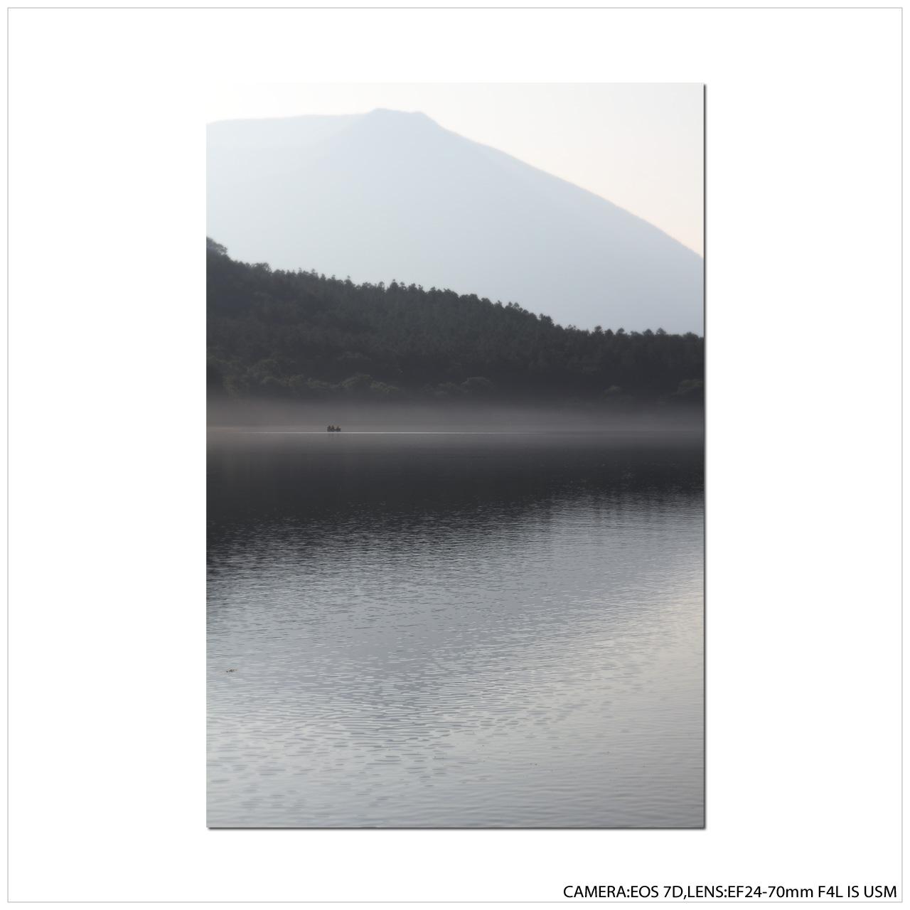 湖畔の朝_e0214724_22473097.jpg
