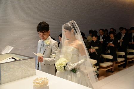 新郎新婦様からのメール 華やかなルージュのブーケ コンラッド東京様へ_a0042928_540736.jpg