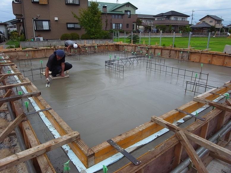 津田の家 基礎コンクリート工事 2013/8/23_a0039934_1758549.jpg