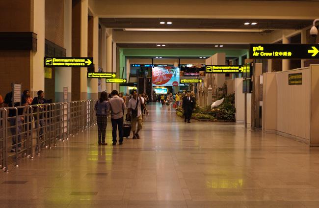 嗚呼、ドンムアン空港_b0131470_2126262.jpg
