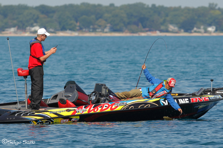 Bassmaster Elite Series #8 Lake St. Clair, MI  初日_a0097491_728278.jpg