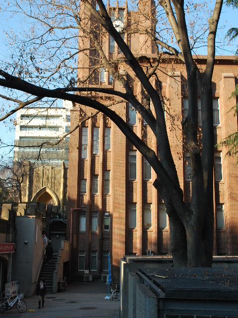 東京大学安田講堂(大正モダン建築探訪)_f0142606_1821547.jpg
