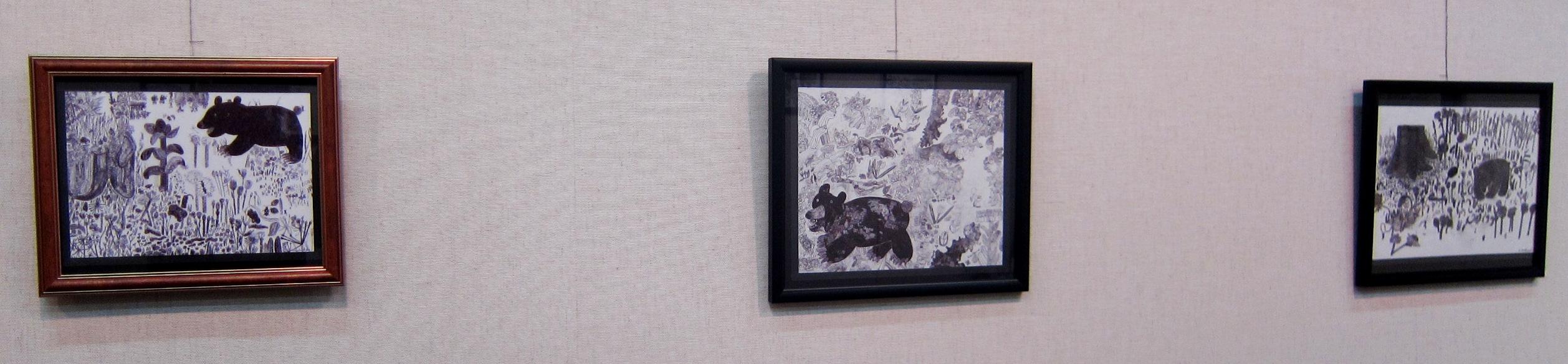 2163) 「鈴木麻衣子ボールペン画展 『クマと森』」 時計台 8月19日(月)~8月24日(土)   _f0126829_12485744.jpg