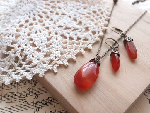 The Necklace and Pierced earring of Early Autumn_d0246960_2325432.jpg