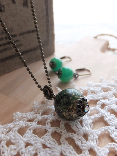 The Necklace and Pierced earring of Early Autumn_d0246960_233729.jpg