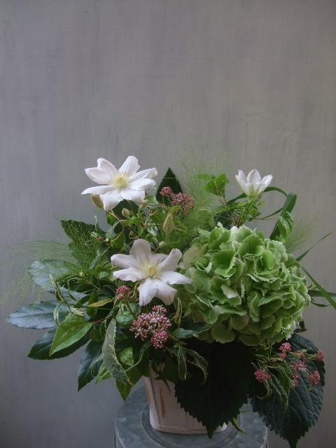 オークリーフ(秋色紫陽花アンティークグリーンと・・・)_f0049672_13505732.jpg