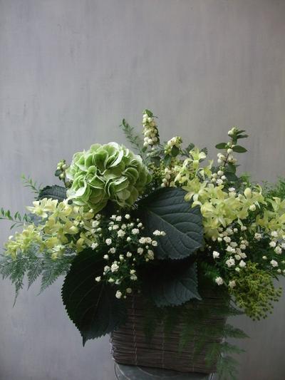オークリーフ(秋色紫陽花アンティークグリーンと・・・)_f0049672_1354793.jpg