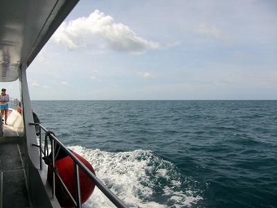 今日も元気にピピ島へ!_f0144385_17265156.jpg