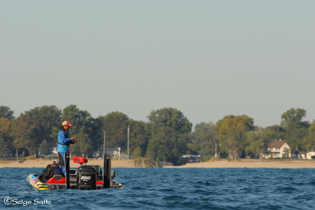 Bassmaster Elite Series #8 Lake St. Clair, MI  2日目_a0097491_7503775.jpg