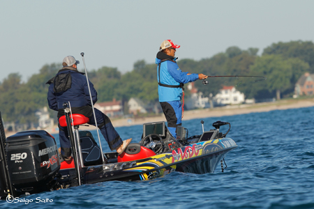 Bassmaster Elite Series #8 Lake St. Clair, MI  2日目_a0097491_7525459.jpg