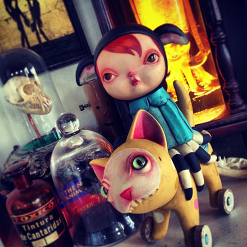 Monsters & Misfits III、Kathie OlivasのFBより_a0077842_14371230.jpg