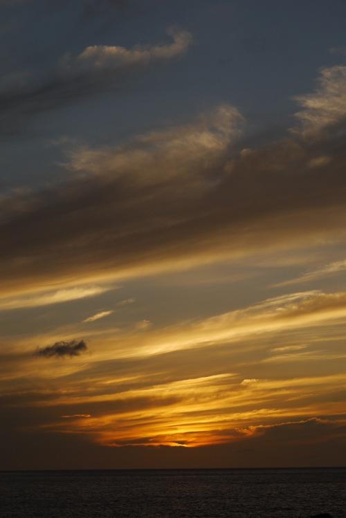 大島の朝日_e0145685_6524820.jpg