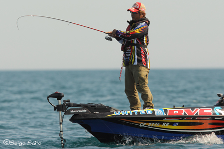 Bassmaster Elite Series #8 Lake St. Clair, MI  最終日 決勝_a0097491_7364754.jpg