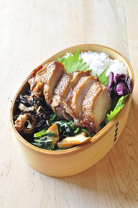 醤油鶏べんとう_b0171098_7172138.jpg