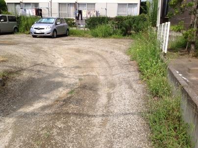 駐車場の除草と除草剤散布_c0186441_17264729.jpg