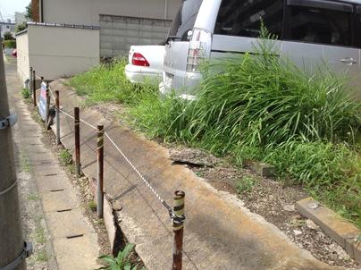駐車場の除草と除草剤散布_c0186441_17285510.jpg