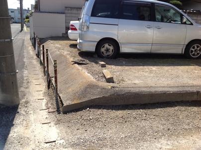 駐車場の除草と除草剤散布_c0186441_17291998.jpg