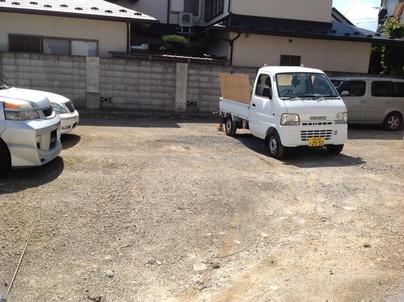 駐車場の除草と除草剤散布_c0186441_17395183.jpg