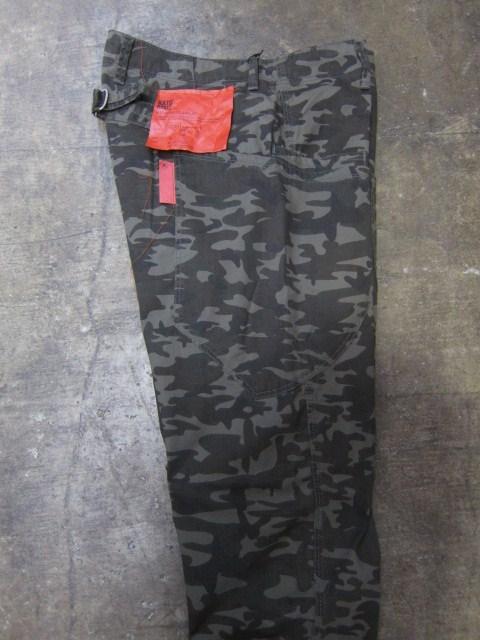 初秋に最適♪♪♪ Kato BASIC ・・・ Tiger CAMO PANTS 入荷です~★★★_d0152280_14172298.jpg