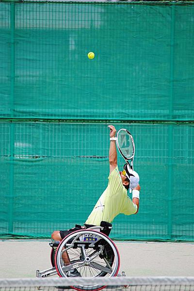 金栄堂サポート:本間正広選手・「Kanagawa Open」ITF Futuresグレードご報告&インプレッション!_c0003493_982170.jpg