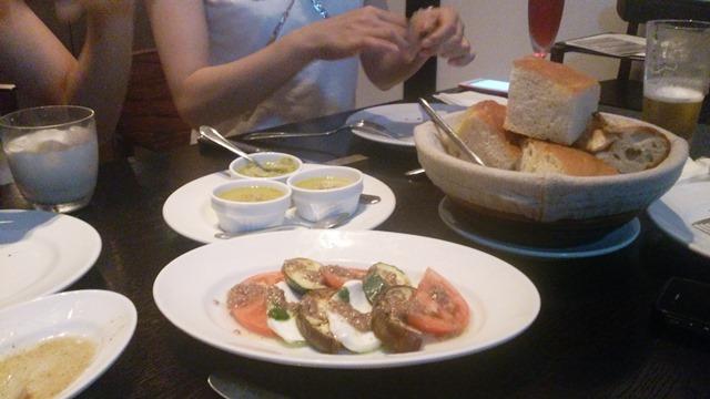シティーベーカリーのレストラン_e0167593_0371069.jpg