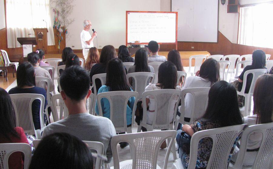 フィリピン・バギオ:日本人移民110周年祭に向けて 「君が代」の練習_a0109542_1920352.jpg