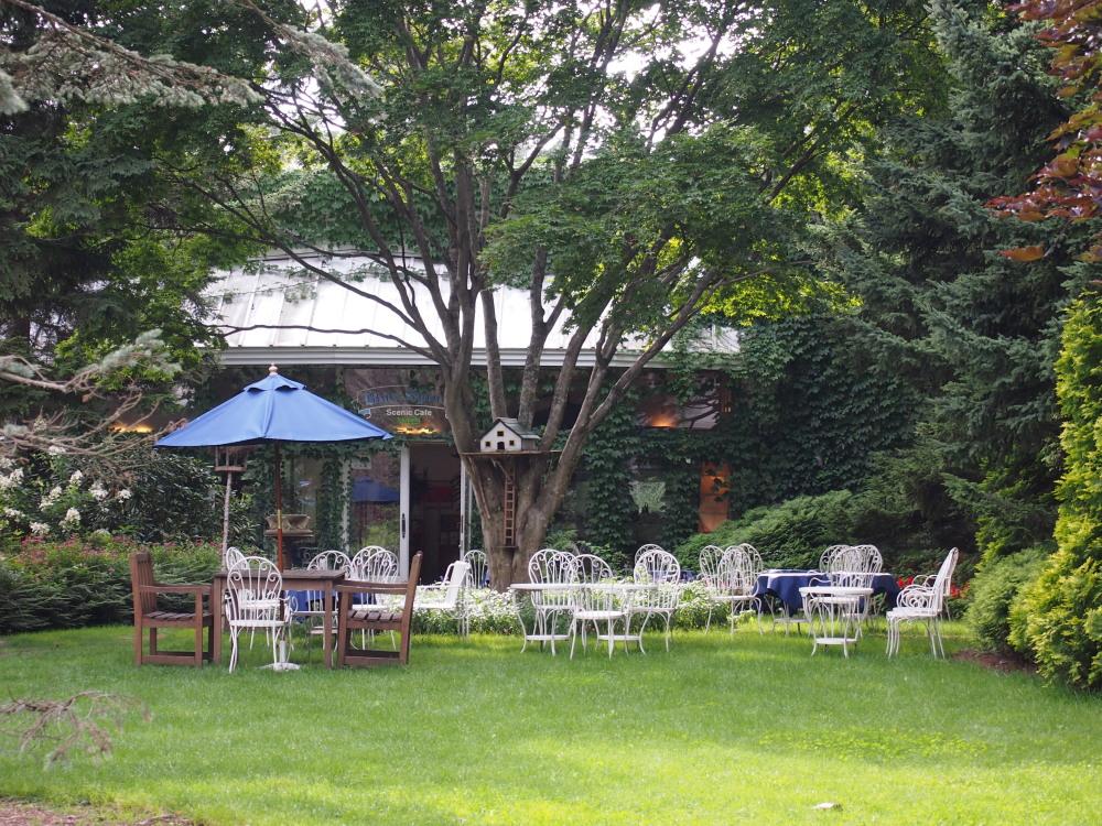 北海道ガーデン街道を訪ねて(7)針葉樹のガーデン・真鍋庭園_f0276498_22412773.jpg