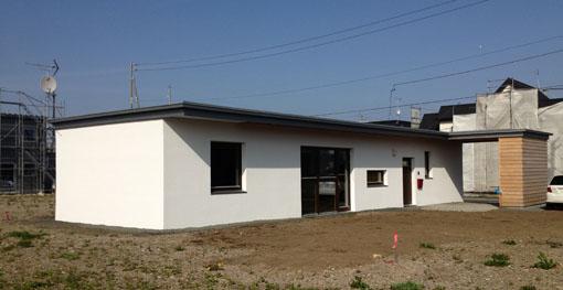 小室雅伸(北海道建築工房):RCフラット北信濃 1_e0054299_1818735.jpg