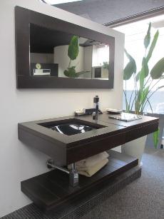 上質な家具のような存在感・・・。_d0091909_1354325.jpg