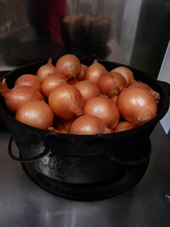 「畑から1年がかりのトマトソース」作り_a0125419_20305577.jpg