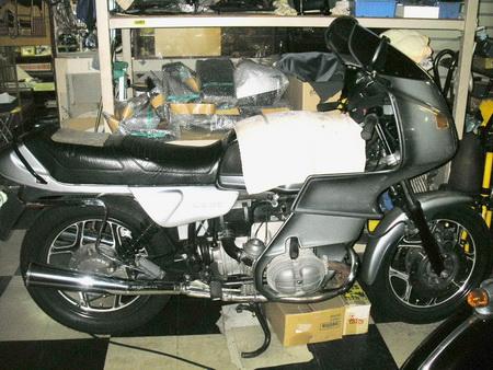 お勧め 中古車(バイク) R100RS_e0218639_11122298.jpg