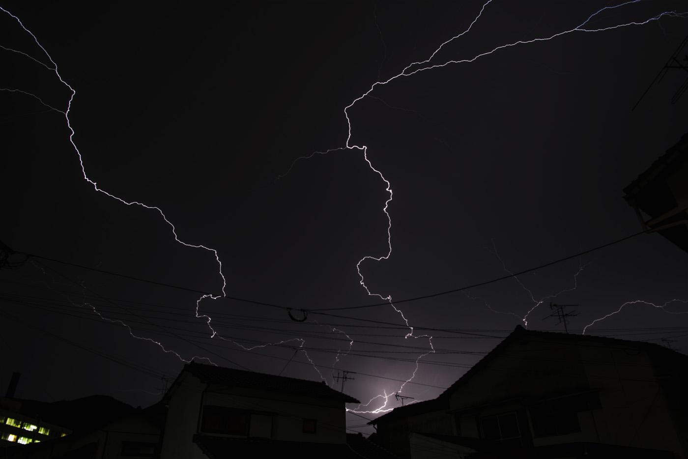 台風15号(コンレイ)接近中〜天翔る稲妻〜_c0028861_22393346.jpg