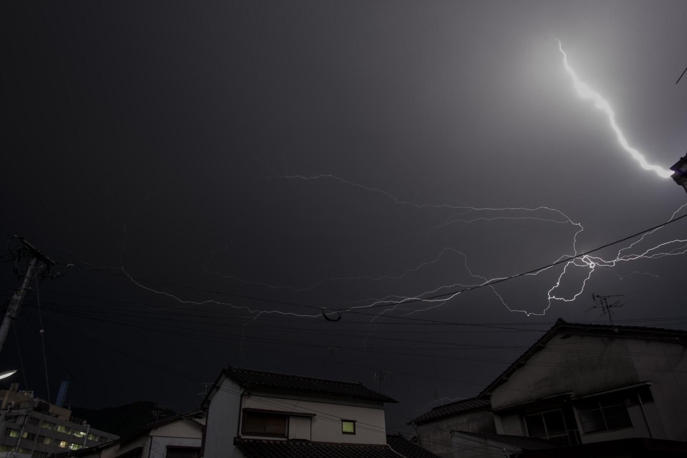 台風15号(コンレイ)接近中〜天翔る稲妻〜_c0028861_2240117.jpg