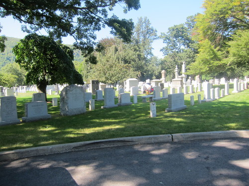アメリカ陸軍士官学校の墓地に、なぜかピラミッドがある・・・_d0240098_10553195.jpg