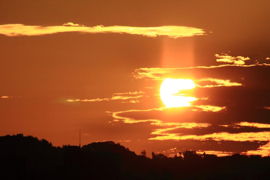 犀川河畔からみる夜明け_e0104684_1053026.jpg