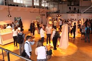 NYで初のGoogle Glassパーティ、お酒や軽食はこんな感じ_b0007805_042154.jpg