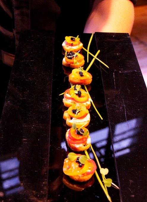 NYで初のGoogle Glassパーティ、お酒や軽食はこんな感じ_b0007805_121929.jpg