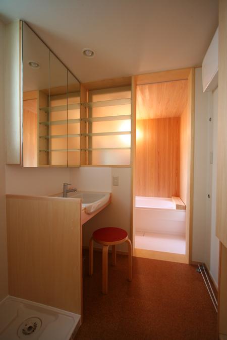 お風呂の明かり取り_c0004024_1612642.jpg